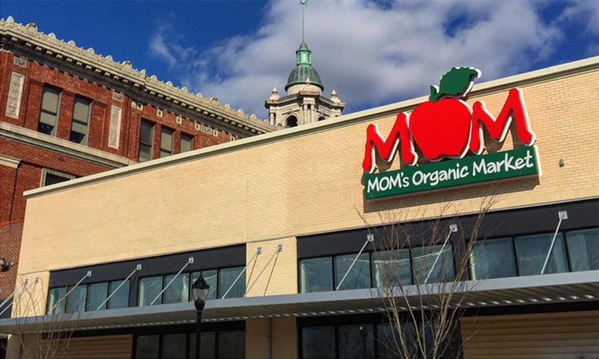 Moms Organic Market Cover